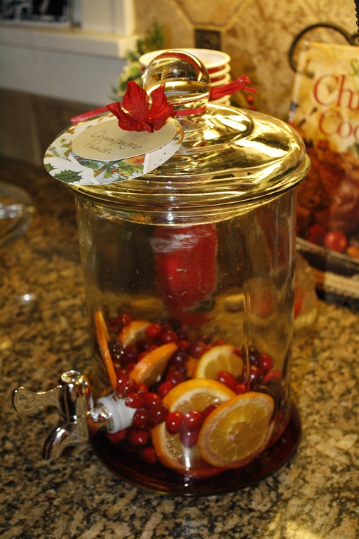 Cranberry Christmas Punch.Christmas Champagne Punch Minding My Nest